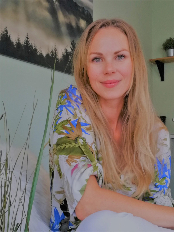 Nanda Okkinga in haar coach praktijk ruimte in Haarlem